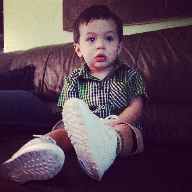 This guy right here @Lizzie y913 @laz810_thesignsavers #nephew #myhommie #ilovehim #heswatchingtvseatingdown ?